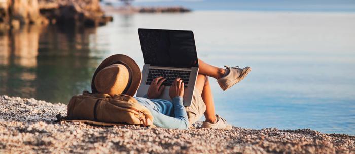 Estudia en la playa.jpg